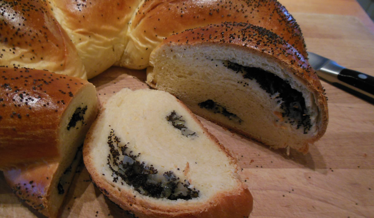 how to make poppy seed bread
