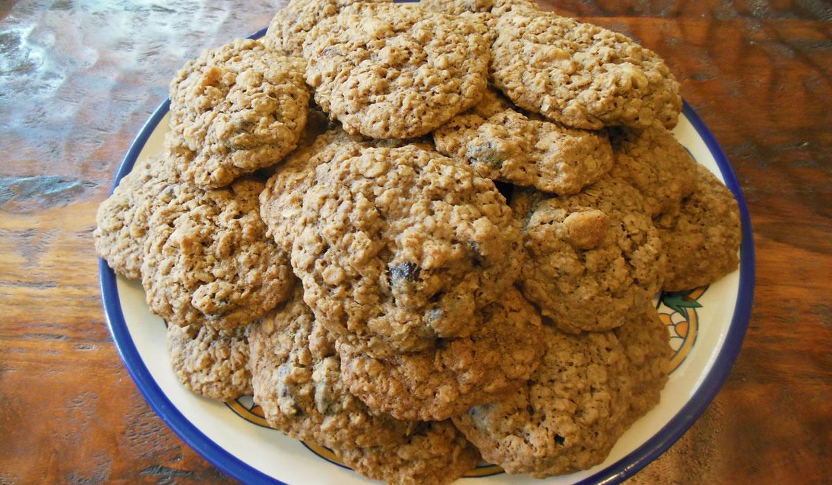 10-23-16-oatmeal-cookies-1