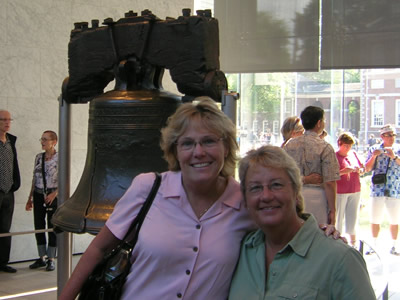 Renee and Eileen at the Liberty bell