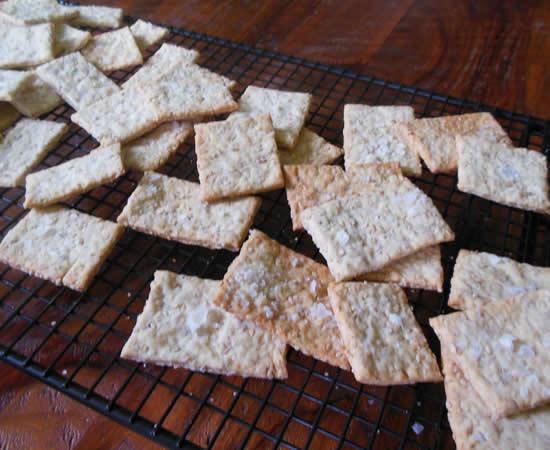 06-30-13-sesame-crackers-2