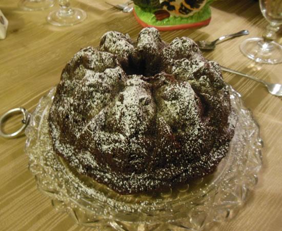 11-28-13-thanksgiving-chocolate-bundt-cake