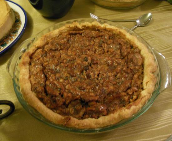 11-28-13-thanksgiving-walnut-pie