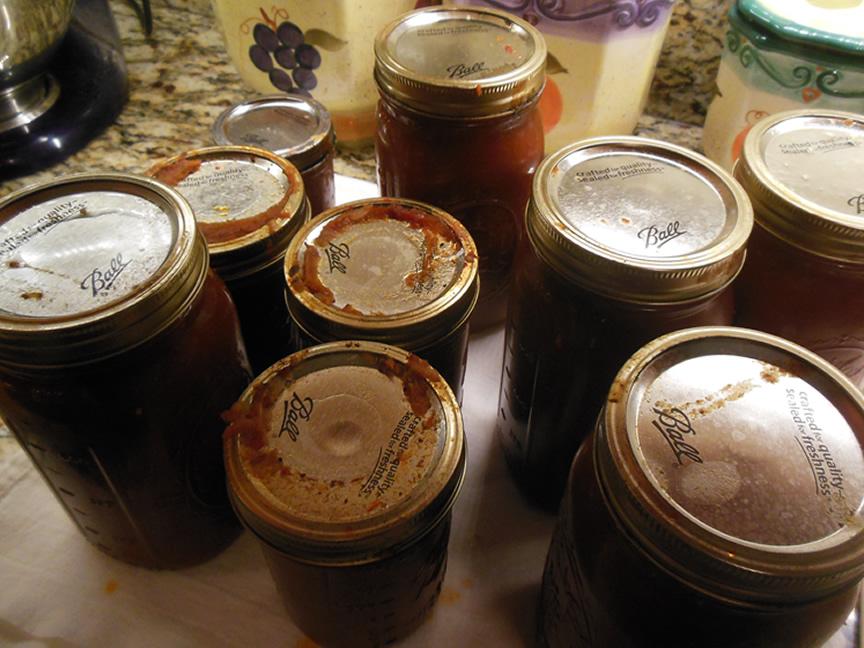 06-21-15-peach-sriracha-bbq-sauce-3
